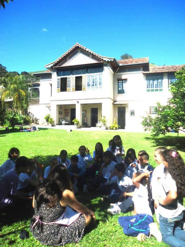 No dia 15 de maio a Escola Municipal Stella Moraes novamente veio ao Sobrado para participar da contação de histórias com Ana Jurkiewicz e dos trabalhos da artesã Teresa Grillo (patrocínio SESC). Além disso, ocorreu uma visita mediada ao Museu.
