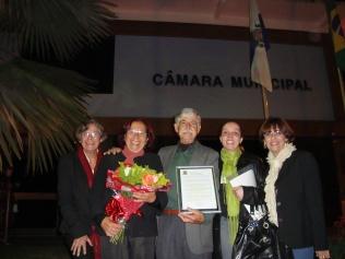 Voto de congratulação da Câmara Municipal de Teresópolis em 30/10/2013. https://www.facebook.com/pg/Sobrado-Hist%C3%B3rico-Jos%C3%A9-Francisco-Lippi-287232954694620/photos/?tab=album&album_id=539112649506648