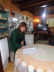 A escritora Ana Maria de Andrade, uma das incentivadoras de primeira hora do Sobrado Histórico, quando este nem era museu.